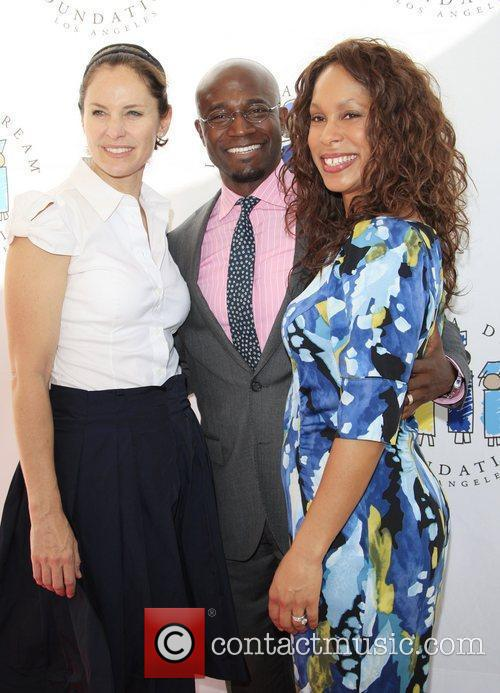 http://www.contactmusic.com/pics/lf/i_have_a_dream_050312/amy-brenneman-taye-diggs-channing-dungey-i_3764404.jpg