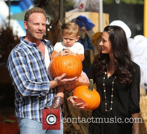 Ian Ziering, Erin Ludwig and Mia Ziering 15