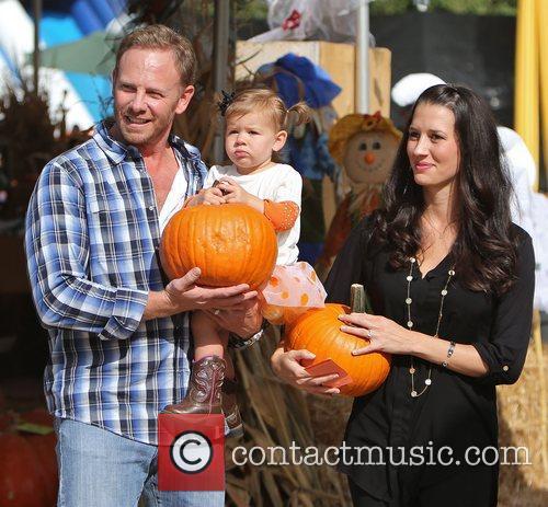 Ian Ziering, Erin Ludwig and Mia Ziering 8