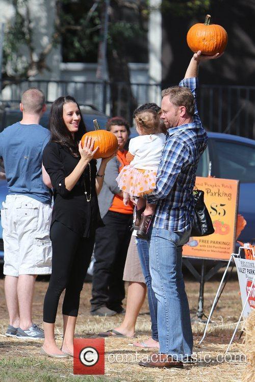 Ian Ziering, Erin Ludwig and Mia Ziering 9