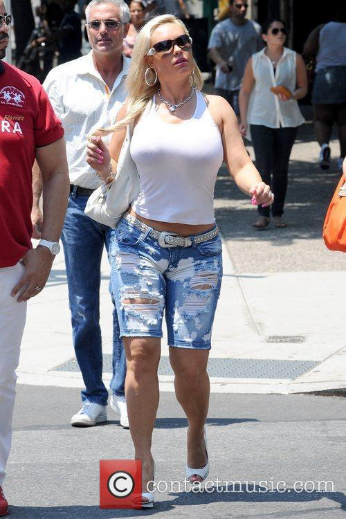 Coco Austin shopping with her husband in Soho...