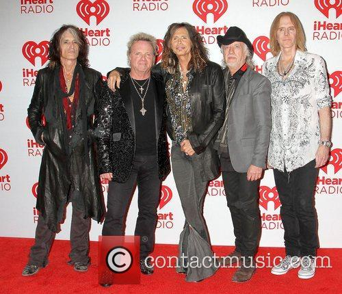 L-r, Guitarist Joe Perry, Joey Kramer, Steven Tyler, Brad Whitford, Tom Hamilton and Aerosmith 1