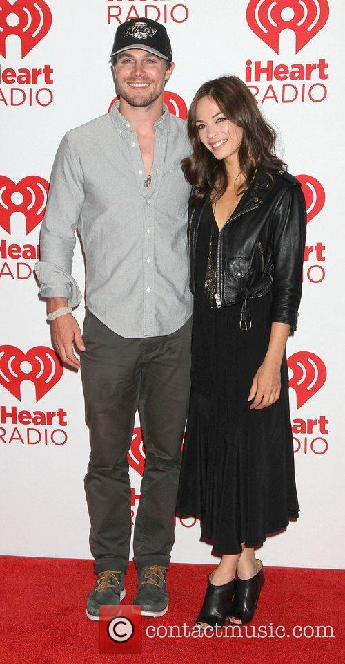 Stephen Amell, Kristin and Kreuk 8