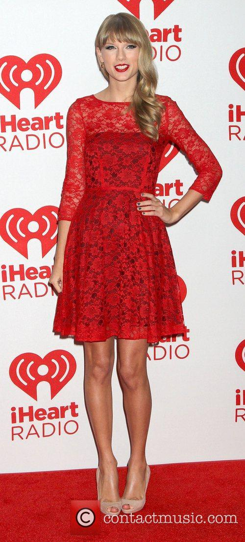taylor swift at the iheart radio music 4095197