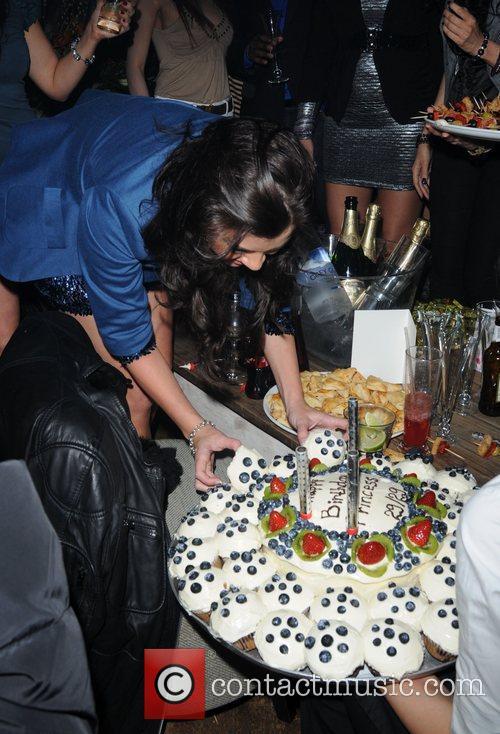 imogen thomas celebrates her 29th birthday with 3639467