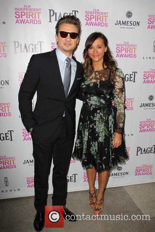 jeremy renner rashida jones 2013 independent spirit 20055484
