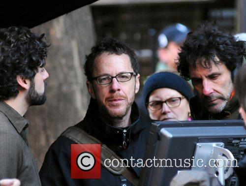 Ethan Coen, Joel Coen and Oscar Isaac 1