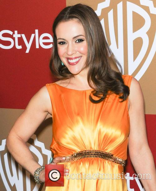 alyssa milano instyle and warner bros golden 20060452