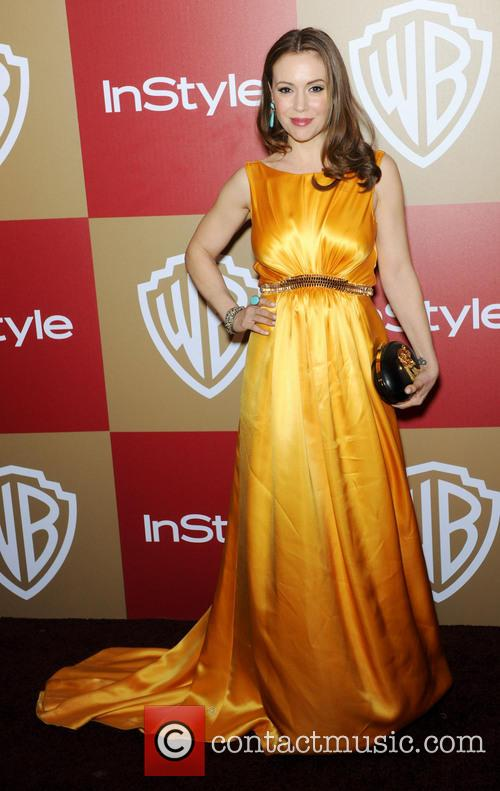 alyssa milano instyle and warner bros golden 20060453