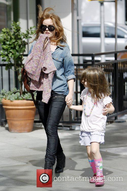 Isla Fisher and Olive Cohen 4
