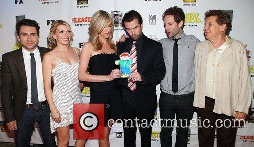Charlie Day, Mary Elizabeth Ellis, Kaitlin Olson, Rob Mcelhenney and Glenn Howerton 3