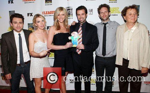 Charlie Day, Mary Elizabeth Ellis, Kaitlin Olson, Rob Mcelhenney and Glenn Howerton 1