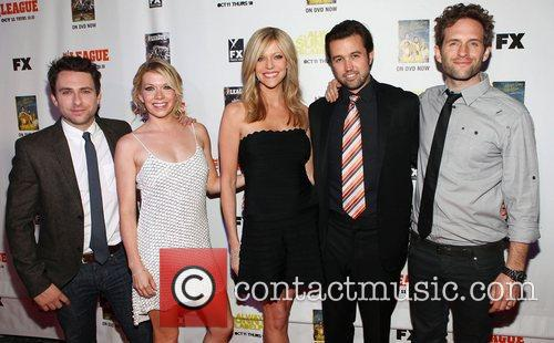 Charlie Day, Mary Elizabeth Ellis, Kaitlin Olson, Rob Mcelhenney and Glenn Howerton 4