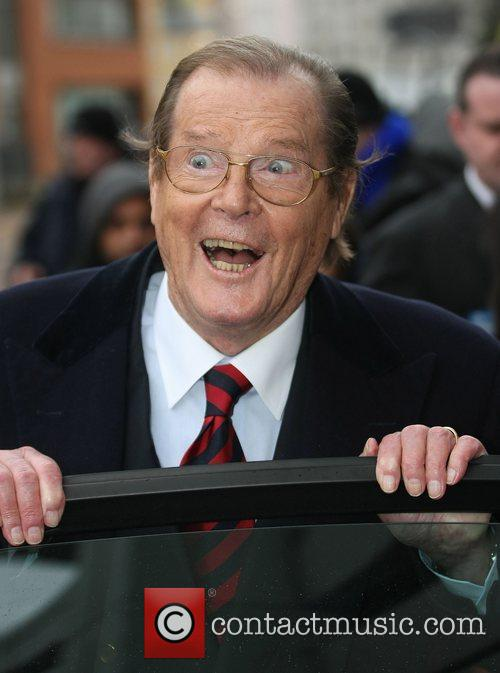 roger moore leaving the itv studios london 3647990
