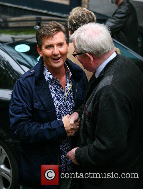 daniel odonnell with fans outside the itv 4140367
