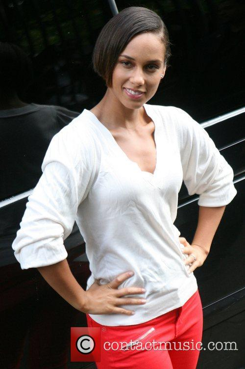 alicia keys at the itv studios london 4100061