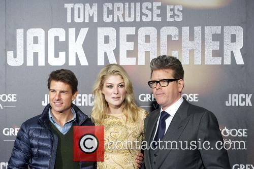 tom cruise rosamund pike christopher mcquarrie jack 20029008
