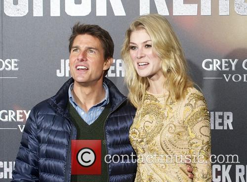 Tom Cruise, Rosamund Pike