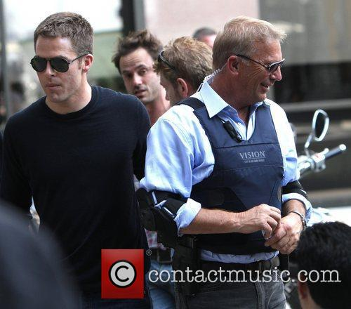 Chris Pine and Kevin Costner 3
