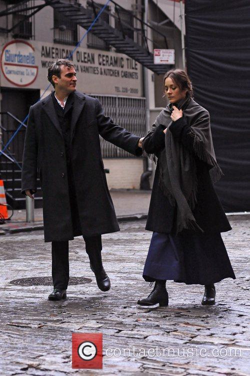 Joaquin Phoenix and Marion Cotillard 8