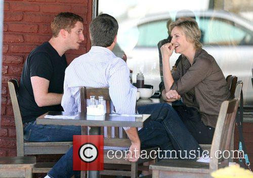 Jane Lynch has lunch with friends at Kings...