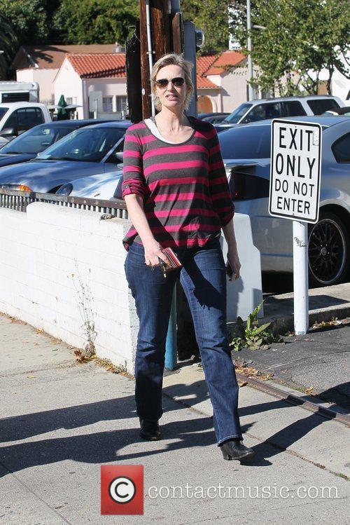 Jane Lynch 13