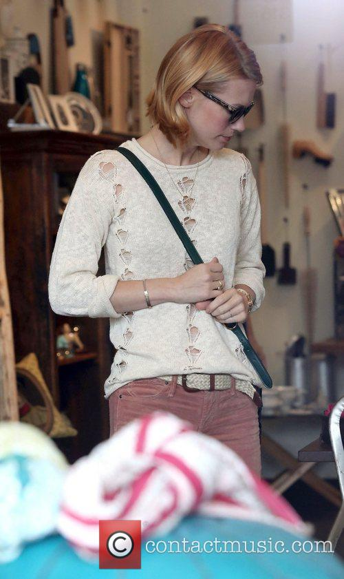 January Jones shops for jewellery at New Stone...
