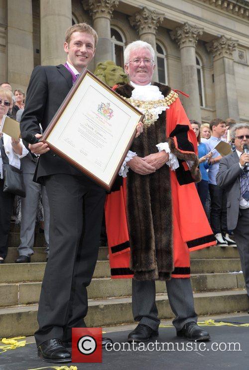 Olympic gold medal cyclist Jason Kenny and Mayor...
