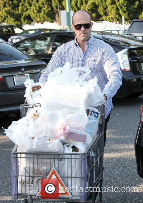 Jason Statham shopping at grocery store Bristol Farms