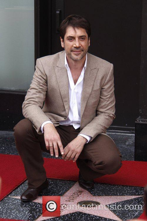 javier bardem is honored with a hollywood 5946124