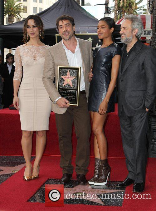 Berenice Marlohe, Javier Bardem, Naomie Harris and Director Sam Mendes 9