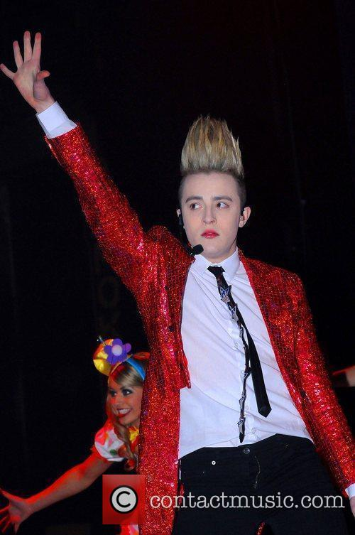 Jedward and Hammersmith Apollo 2
