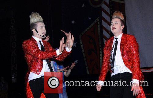 Jedward and Hammersmith Apollo 3