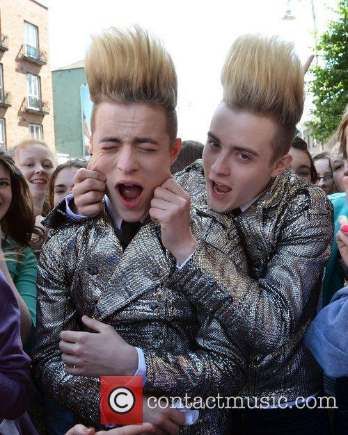 John Grimes and Edward Grimes Jedward get mobbed...