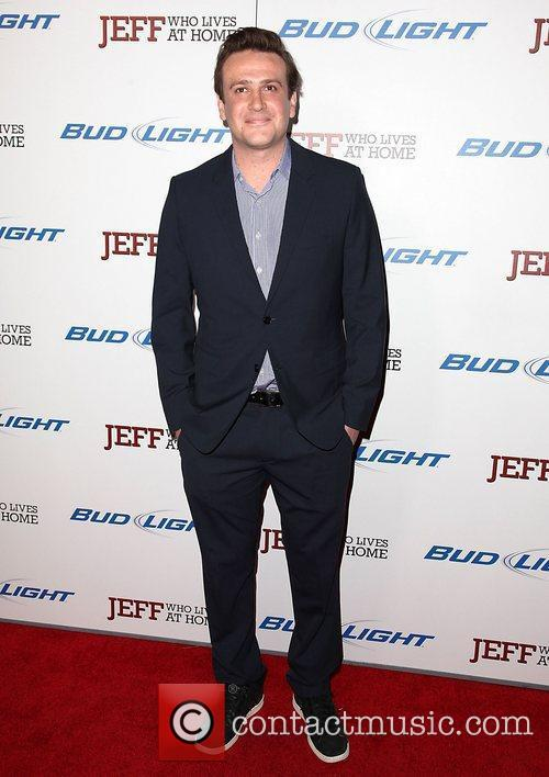 jason segel attending the premiere of jeff 3768672