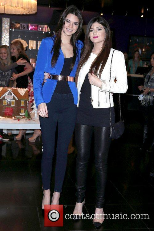 Kendall Jenner and Kylie Jenner 6