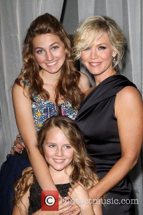 Jennie Garth and Lola Ray 5