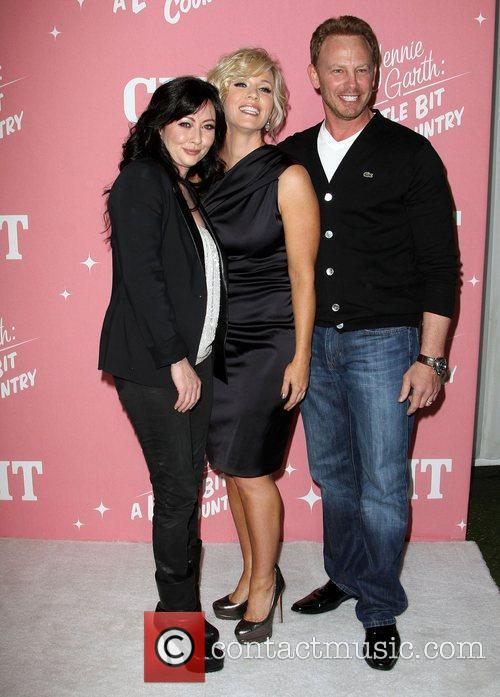 Shannen Doherty, Ian Ziering and Jennie Garth 5