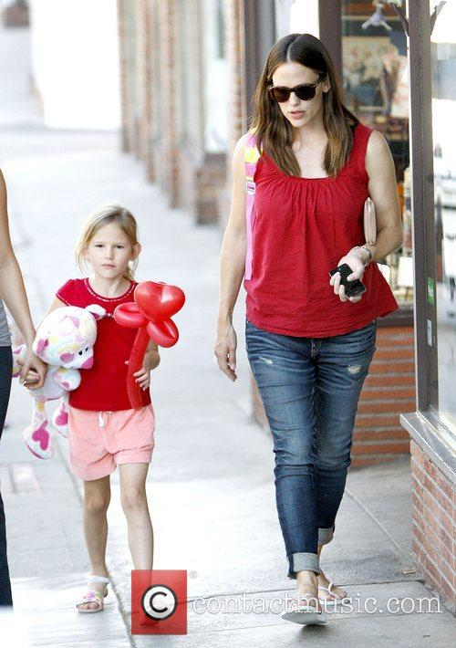 Jennifer Garner, Pacific Palisades and Violet 5