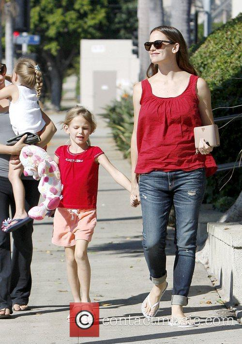 Jennifer Garner, Pacific Palisades and Violet 3