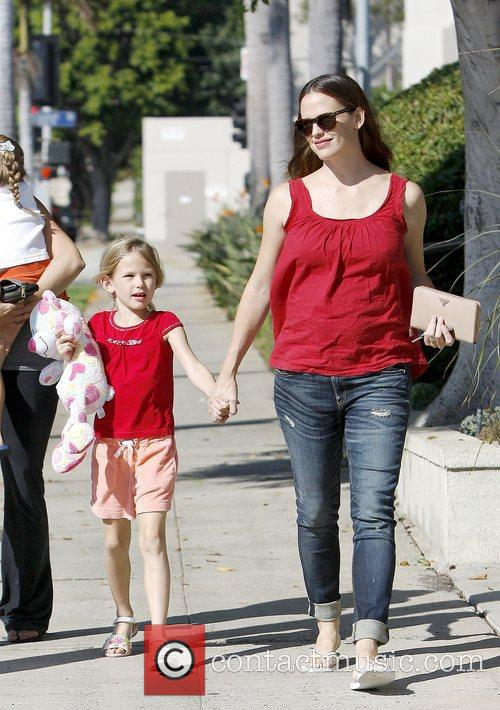 Jennifer Garner, Pacific Palisades and Violet 2