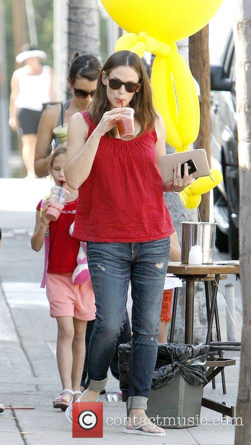 Jennifer Garner and Pacific Palisades 4