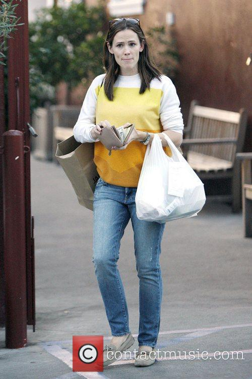 jennifer garner wearing jeans out shopping in 4192850
