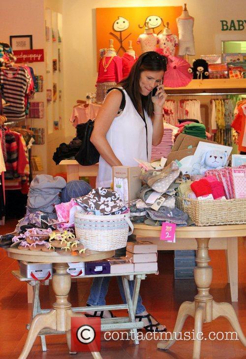 Jennifer Garner shops at Baby2Baby Los Angeles, California