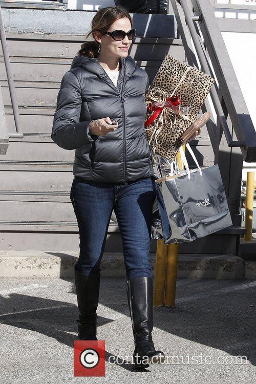 Jennifer Garner seen out Christmas shopping in The...