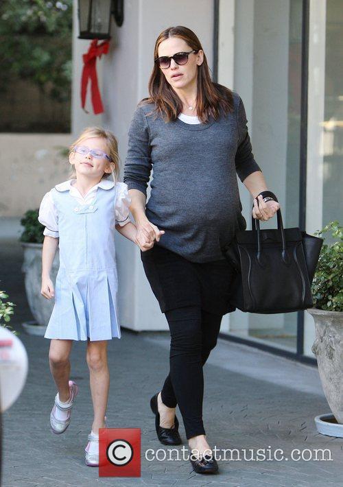 Pregnant Jennifer Garner and daughter Violet Affleck out...