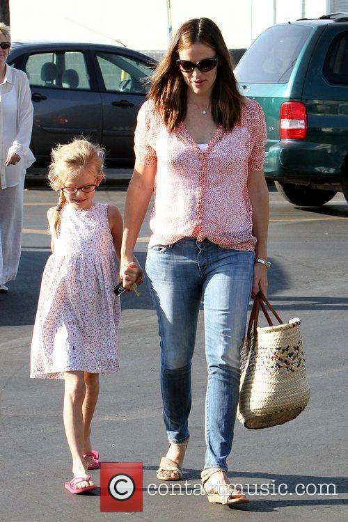 Jennifer Garner spends a day at a farmer's...