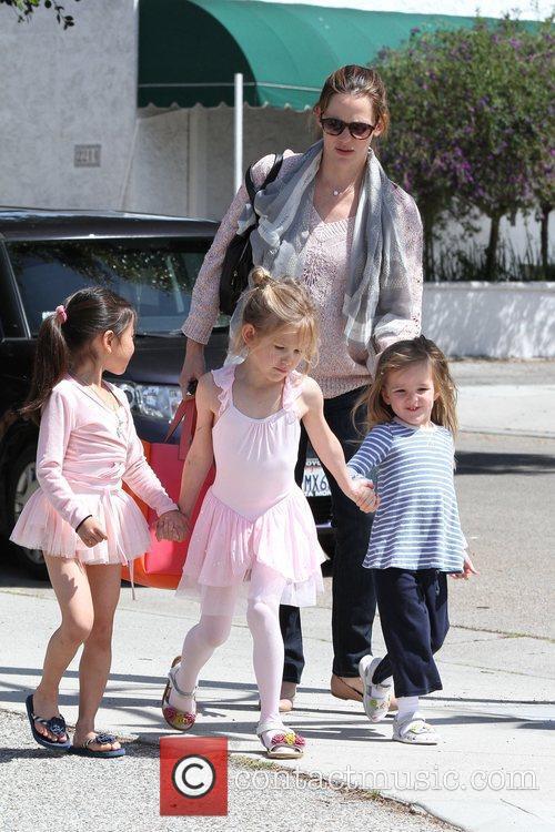 Jennifer Garner and her two daughters Violet Affleck...