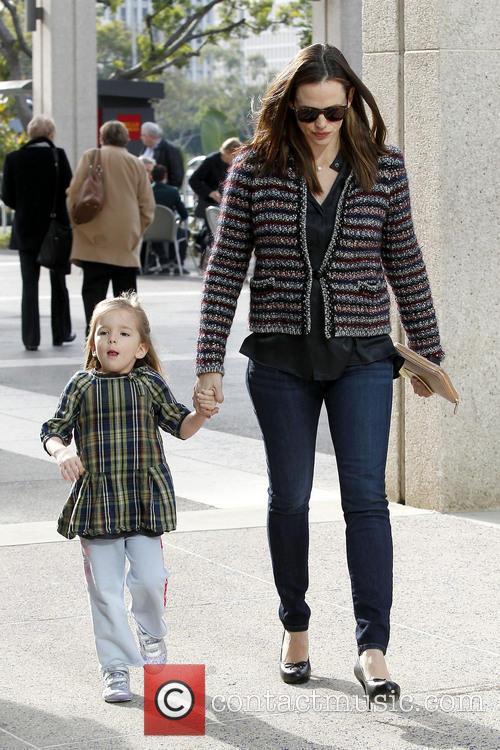 Jennifer Garner takes her two daughter to Los...