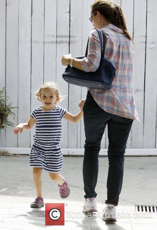 Jennifer Garner  drops her daughter Seraphina off...